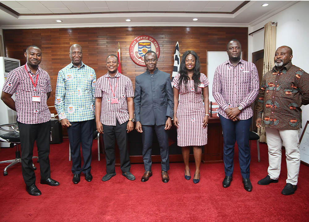 Officials of Zenith Bank with the Vice-Chancellor