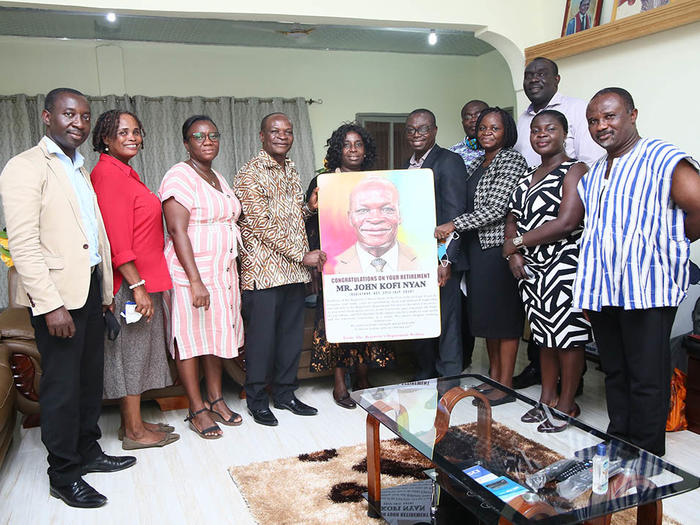 Presentation of Portrait to the former Registrar